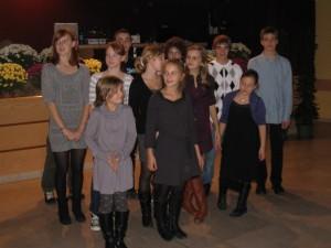 Max (masqué), Marion, Maud, Pauline, Yohan, Gridou, Anna, Théo, Margot, Hugo, Marion, Renaud